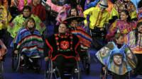 Stephen Hawking abre los Juegos Paralímpicos en una colorida ceremonia de inauguración