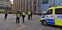Un centenar de encapuchados atacan a inmigrantes en Estocolmo