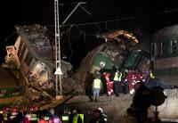 14 muertos y 50 heridos en un choque de trenes en Polonia