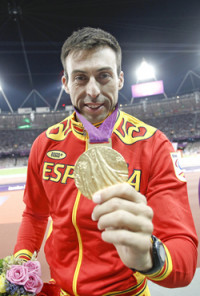 Oro y récord paralímpico de Expósito en el salto de longitud