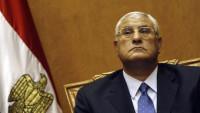 Mansur aprueba varias leyes a pocos días de dejar la Presidencia egipcia