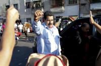 Miles de venezolanos lloran la muerte de Hugo Chávez