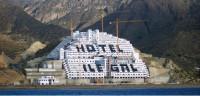 El TSJA legaliza el hotel del Algarrobico y revoca su protección