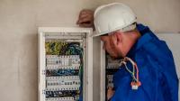 En internet se pueden conseguir los mejores servicios a domicilio de electricistas para el hogar