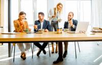 Ideas sencillas para alimentarse bien durante la jornada laboral