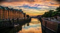 Dos mochilas y muchos destinos baratos en Europa y Asia