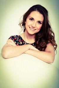 Anissa B. Damom, la autora de la trilogía Éxodo, se considera una escritora de novela juvenil orgullosa de serlo
