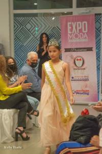 Mía Yissel, niña nicaragüense modelo y bailarina