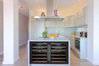 Cinco ventajas de instalar una vinoteca de Bodega43 en tu hogar