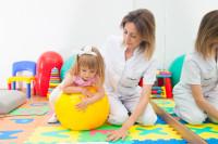 Expertos recomiendan el juego como mejor herramienta para el desarrollo intelectual, emocional, motor y social del bebé
