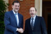El PP saca su peor dato, pero aumenta su distancia con el PSOE