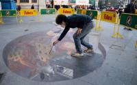 Eduardo Relero homenajea al pueblo valenciano y a las Fallas con una obra en el suelo de la Estación del Norte