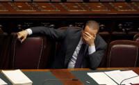 Berlusconi cuida ancianos para no ir a la cárcel por fraude fiscal