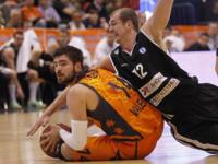 Valencia Basket se asoma a la final con nueve puntos de renta
