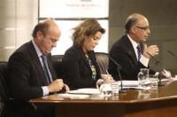 Las CCAA sacarán las tijeras para recortar 8.000 millones en 2014 y 2015