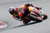 Stoner reina por primera vez en Jerez por delante de Lorenzo y Pedrosa