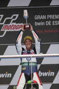 Pol Espargaró vence en Jerez gracias a una bandera roja a falta de nueve vueltas