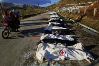 Sólo tres forenses para examinar a 15 cadáveres por hora en Tacloban