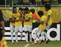 Uruguay se pone en el camino de Brasil (X, 21h)