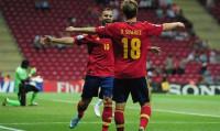 Jesé y Alcácer dan el liderato a España (2-1)