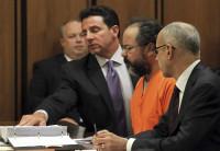 Hallan ahorcado en su celda al secuestrador de las tres mujeres de Cleveland