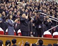 El ex jugador de baloncesto Dennis Rodman viaja a Pyongyang como