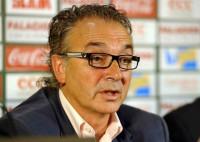 El presidente del Racing acusa a la plantilla profesional de
