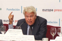 Felipe González advierte del