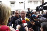 La acusación popular pide prisión para Rato por riesgo de fuga y destrucción de pruebas