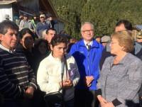 Bachelet llega a la zona afectada por la erupción del volcán Calbuco