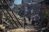 Ascienden a más de 7.600 los muertos por el terremoto en Nepal
