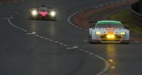 Audi y Porsche mantienen un mano a mano en Le Mans con la llegada de la medianoche