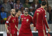 Una irregular España resuelve la papeleta en Borisov