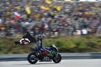 Lorenzo reina en Aragón y acecha a Rossi en el liderato de MotoGP