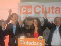 Arrimadas pide la dimisión de Mas y unas nuevas elecciones