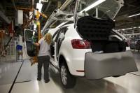La dirección de Volkswagen garantiza a Soria que mantendrá las inversiones en España