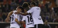 El Valencia gana el derbi sin convencer a Mestalla y el Celta asalta Anoeta