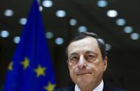 El BCE baja tipos y amplía el volumen de sus compras