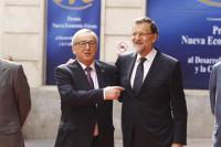 Bruselas estudia una carta de Rajoy en la que pide margen para poder cumplir el objetivo de déficit