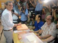 Rivera apela al votante moderado para que