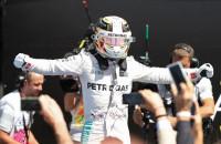Hamilton gana en casa y roza el liderato con la sanción a Rosberg