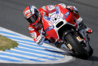 Dovizioso logra la 'pole' en MotoGP por delante de Rossi y Lorenzo