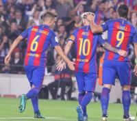 Un Barça 'fallón' gana con agonía al colista