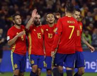 España mantiene a raya a Italia camino del Mundial
