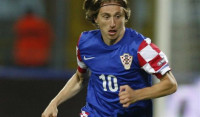 Croacia afianza el liderato en el regreso de Modric y Turquía logra su primera victoria