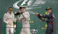 Hamilton vence y Rosberg sobrevive al diluvio de Interlagos; Sainz y Alonso, sexto y décimo