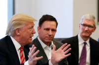 Silicon Valley se opone formalmente al veto migratorio de Trump