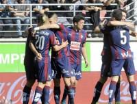 El Eibar arrolla al Granada y sigue soñando con Europa
