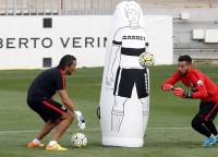 Miguel Ángel Moyá sufre una lesión muscular en el entrenamiento