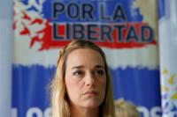 La mujer de Leopoldo López vuelve a denunciar la incomunicación del opositor venezolano en prisión